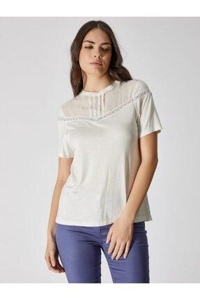 Vekem Kadın Kırık Beyaz Sıfır Yaka Dantel Detaylı Bluz 9107-0089
