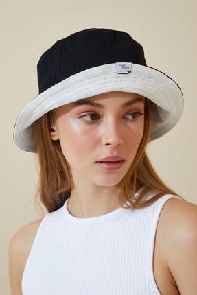 Happiness İst. Kadın Siyah Beyaz Çift Taraflı Bucket Şapka