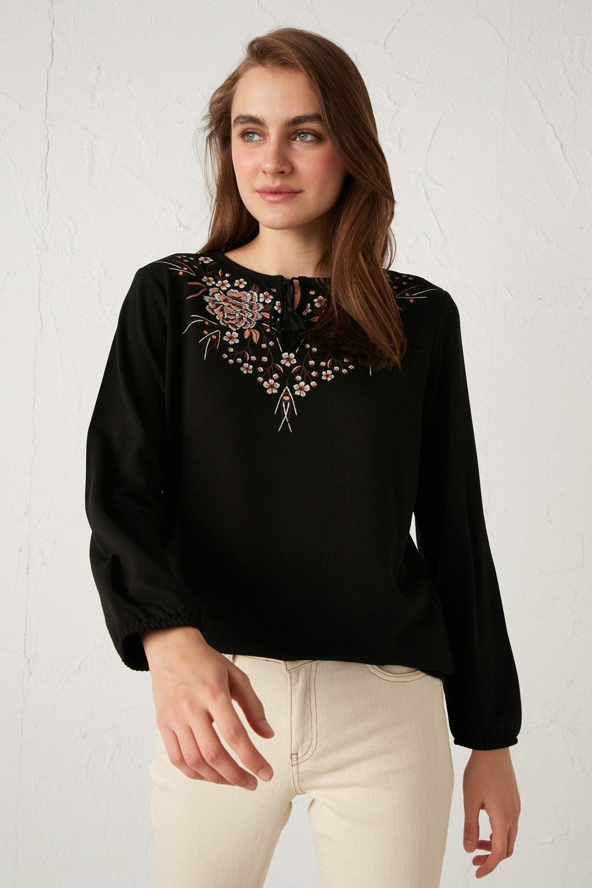 LC Waikiki Kadın Yeni Siyah Bluz 0WHK34Z8 1