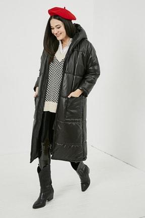 Sateen Kadın Siyah Kapüşonlu Uzun Şişme Mont  STN780KMO101