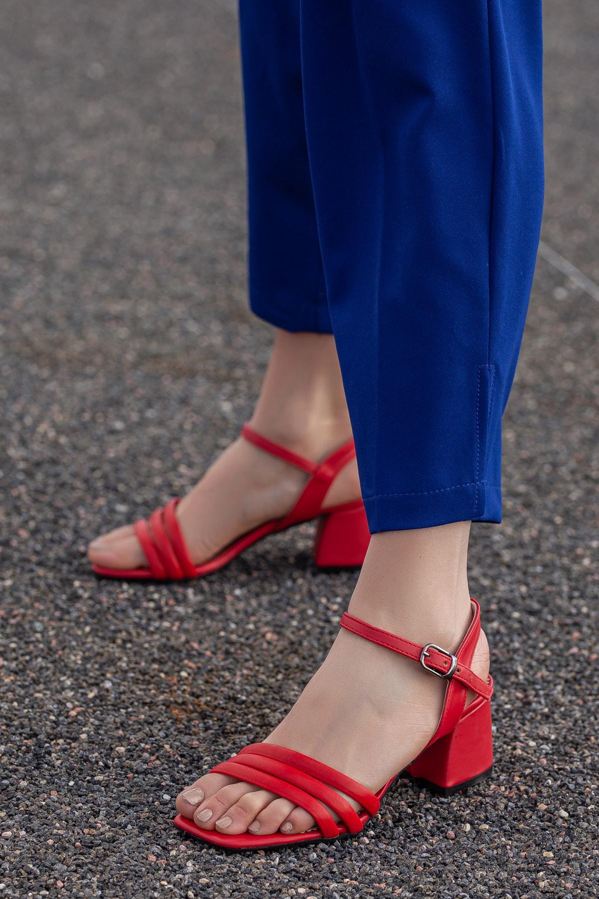 Daxtors Kadın Kırmızı Klasik Topuklu Ayakkabı D2180 2