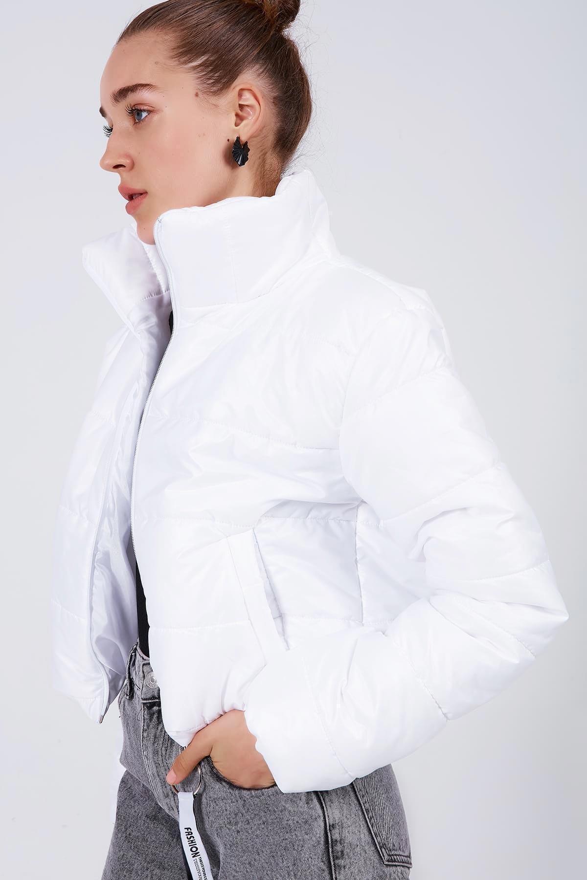 Y-London Kadın Beyaz Dik Yaka Kısa Şişme Mont Y20W182-8201 2