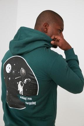 TRENDYOL MAN Zümrüt Yeşili Erkek Baskılı Kapüşonlu Sweatshirt TMNAW21SW0635