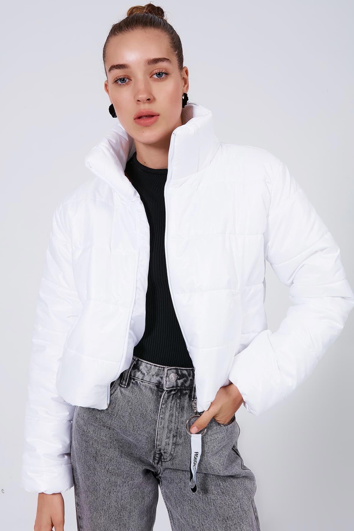 Y-London Kadın Beyaz Dik Yaka Kısa Şişme Mont Y20W182-8201 1