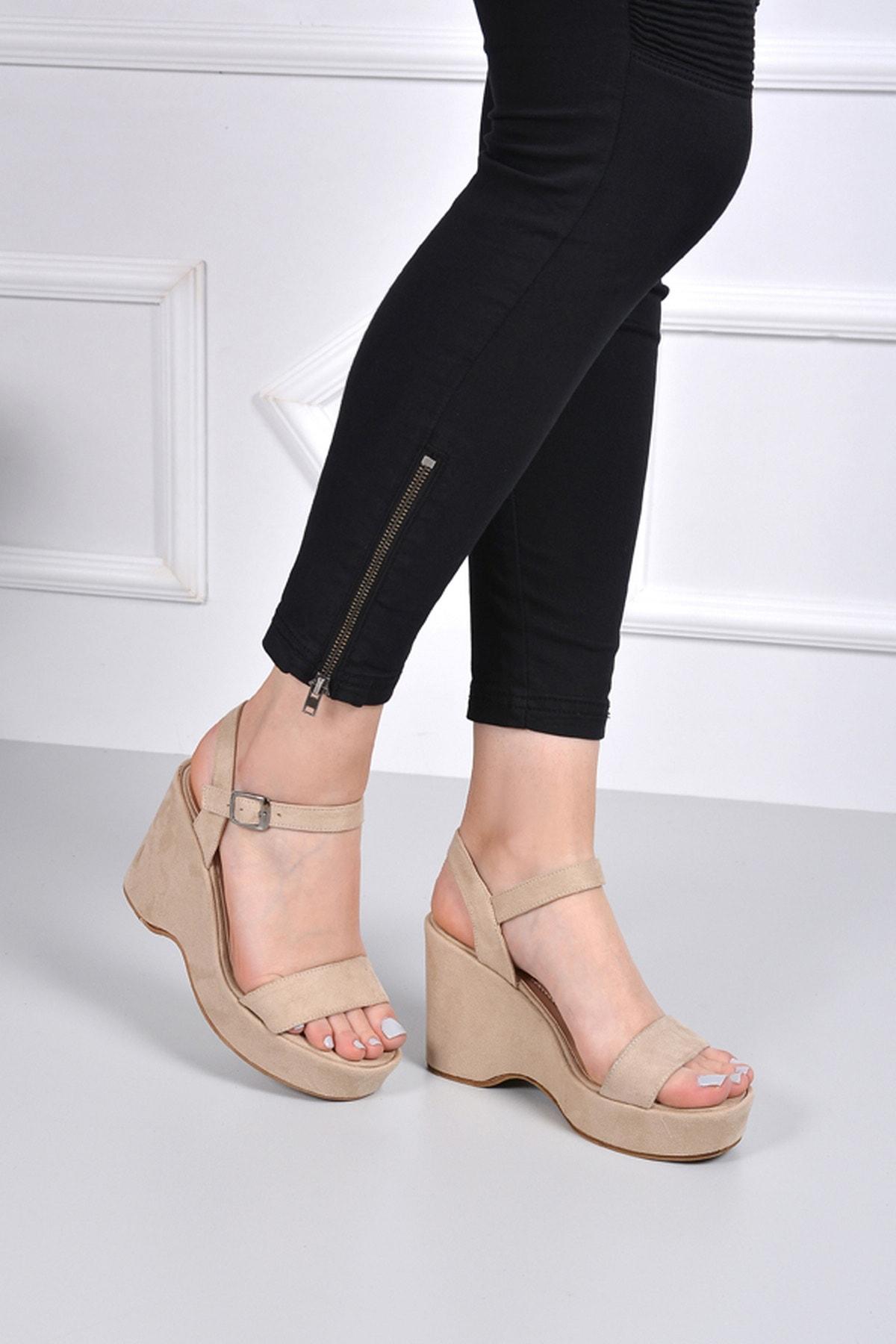 GÖNDERİ(R) Kadın Bej Sandalet 41000 2