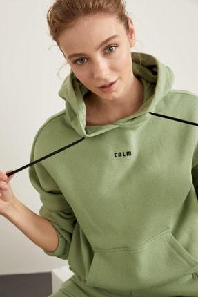 DeFacto Fit Kadın Yeşil Kapüşonlu Baskılı Crop Sweatshirt