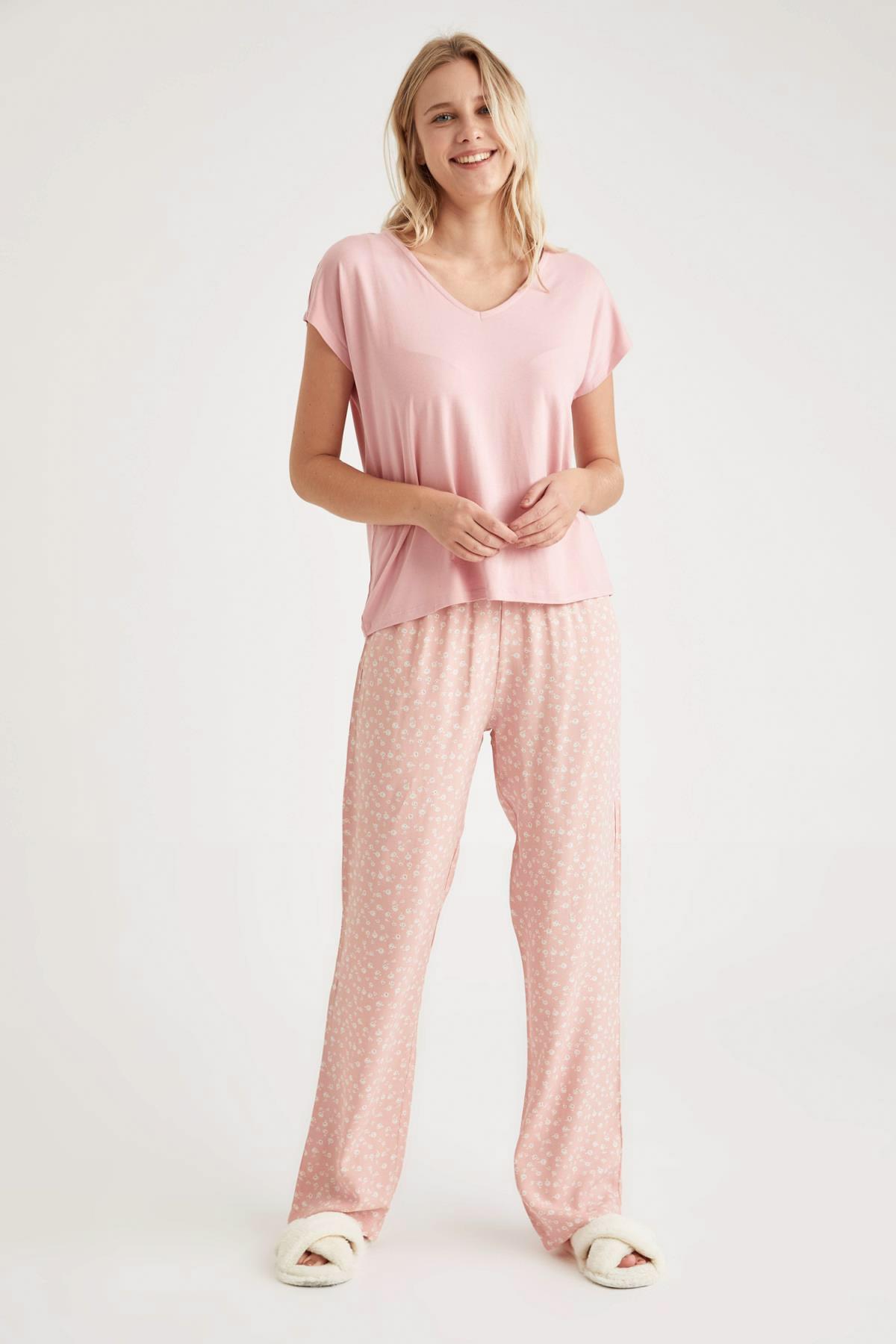 DeFacto Fit Kadın Pembe Basic Kruvaze Yaka Pijama Takımı 1