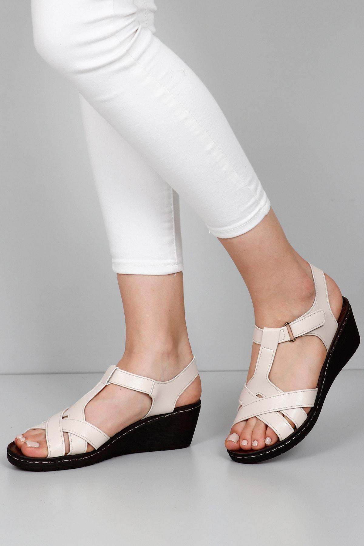 GÖNDERİ(R) Kadın Bej Sandalet 45111 1