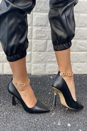 İnan Ayakkabı Kadın Siyah Cilt Sivri Burun Bilek Zincir Detaylı Topuklu Ayakkabı