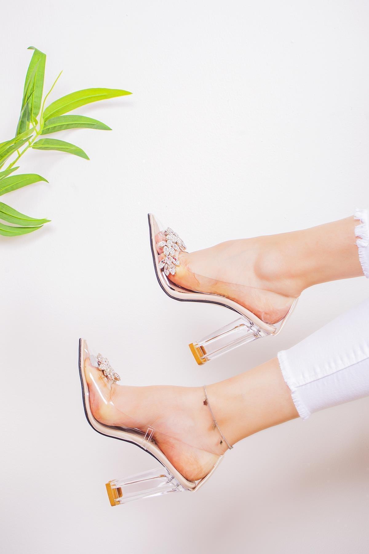 Limoya Kadın Şeffaf Taşlı Kenarlı Şeffaf Topuklu Stiletto 1