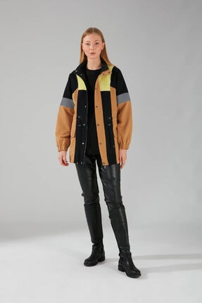 Mizalle Kadın Bej Renk Peluş Parçalı Tasarım Mont