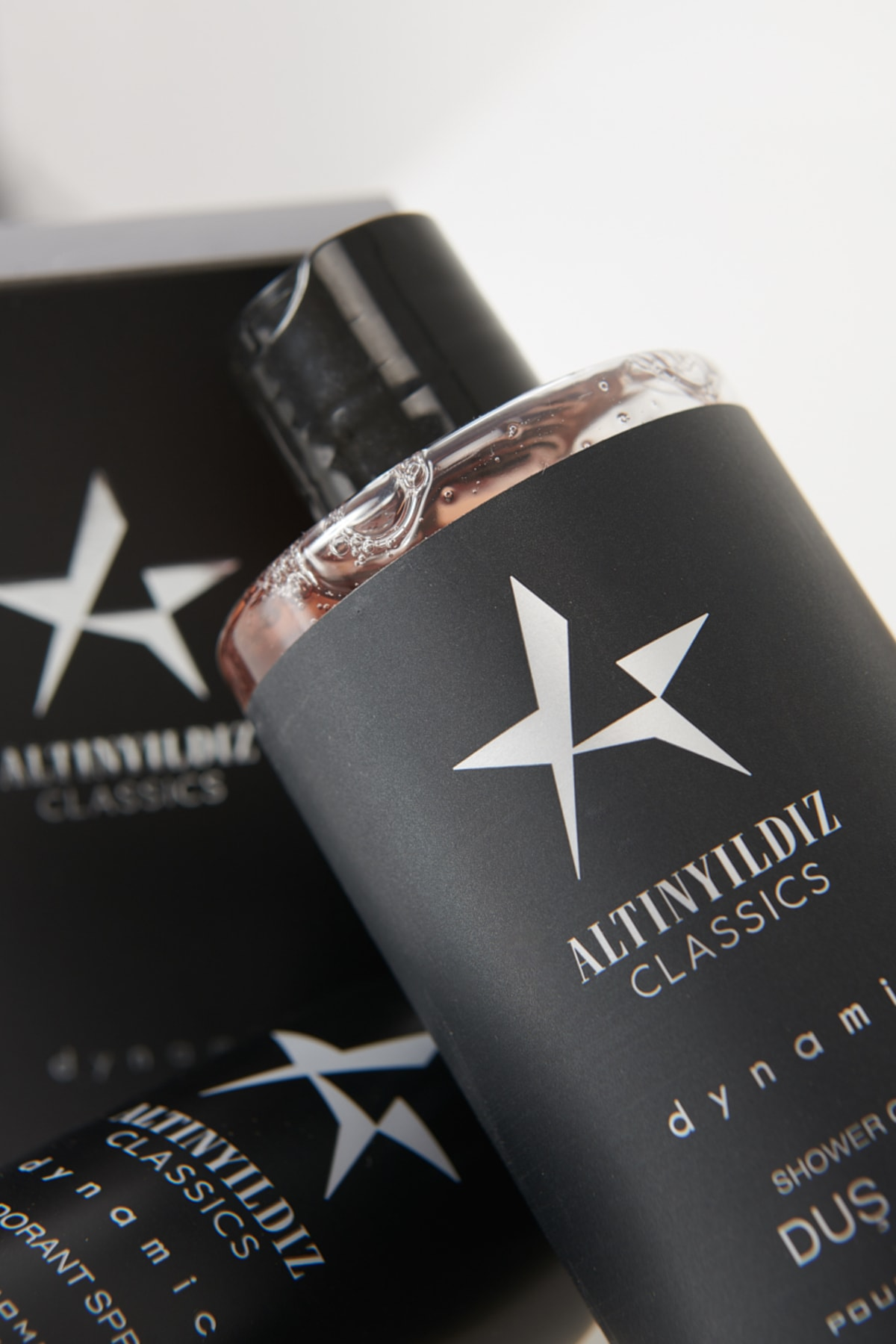 ALTINYILDIZ CLASSICS Erkek Siyah Parfüm Deodorant Duş Jeli Kişisel Bakım Seti 2