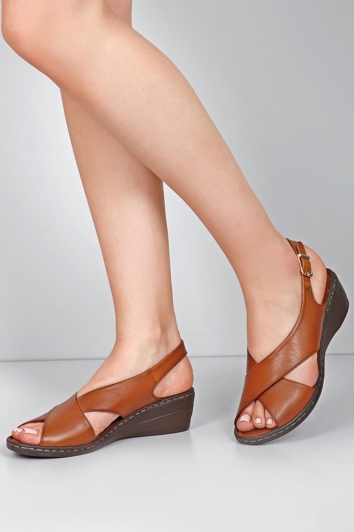 GÖNDERİ(R) Kadın Kahverengi Hakiki Deri  Sandalet 45425 1