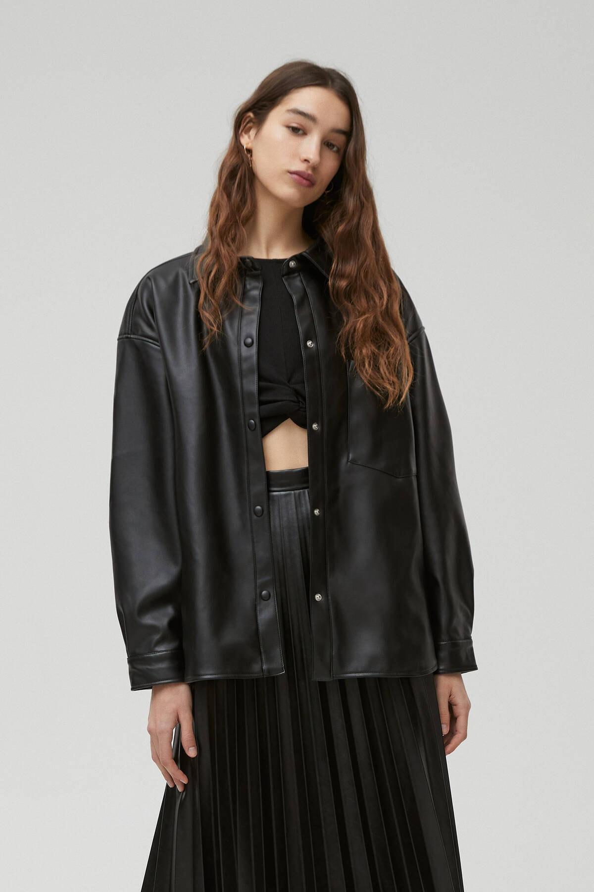 Pull & Bear Kadın Siyah Suni Deri Ince Ceket 1