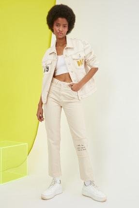 TRENDYOLMİLLA Bej Baskılı Yüksek Bel Straight Jeans TWOSS21JE0610