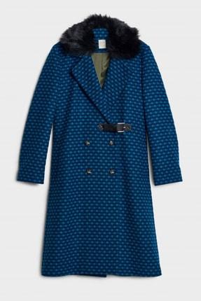 Yargıcı Kadın Saks-Elektrik Mavi Kürk Detaylı Palto 0KKPL5107X