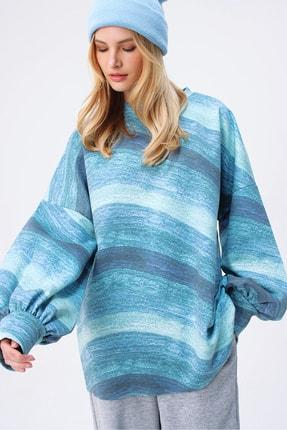 Trend Alaçatı Stili Kadın Mavi Digital Baskılı Oversize Sweatshırt MDA-1086