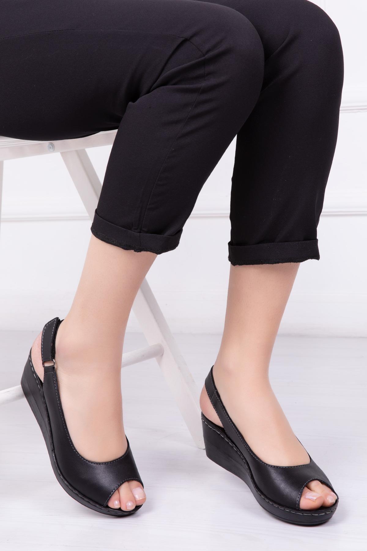 Deripabuc Hakiki Deri Siyah Kadın Dolgu Topuklu Deri Sandalet Crz-0402 2