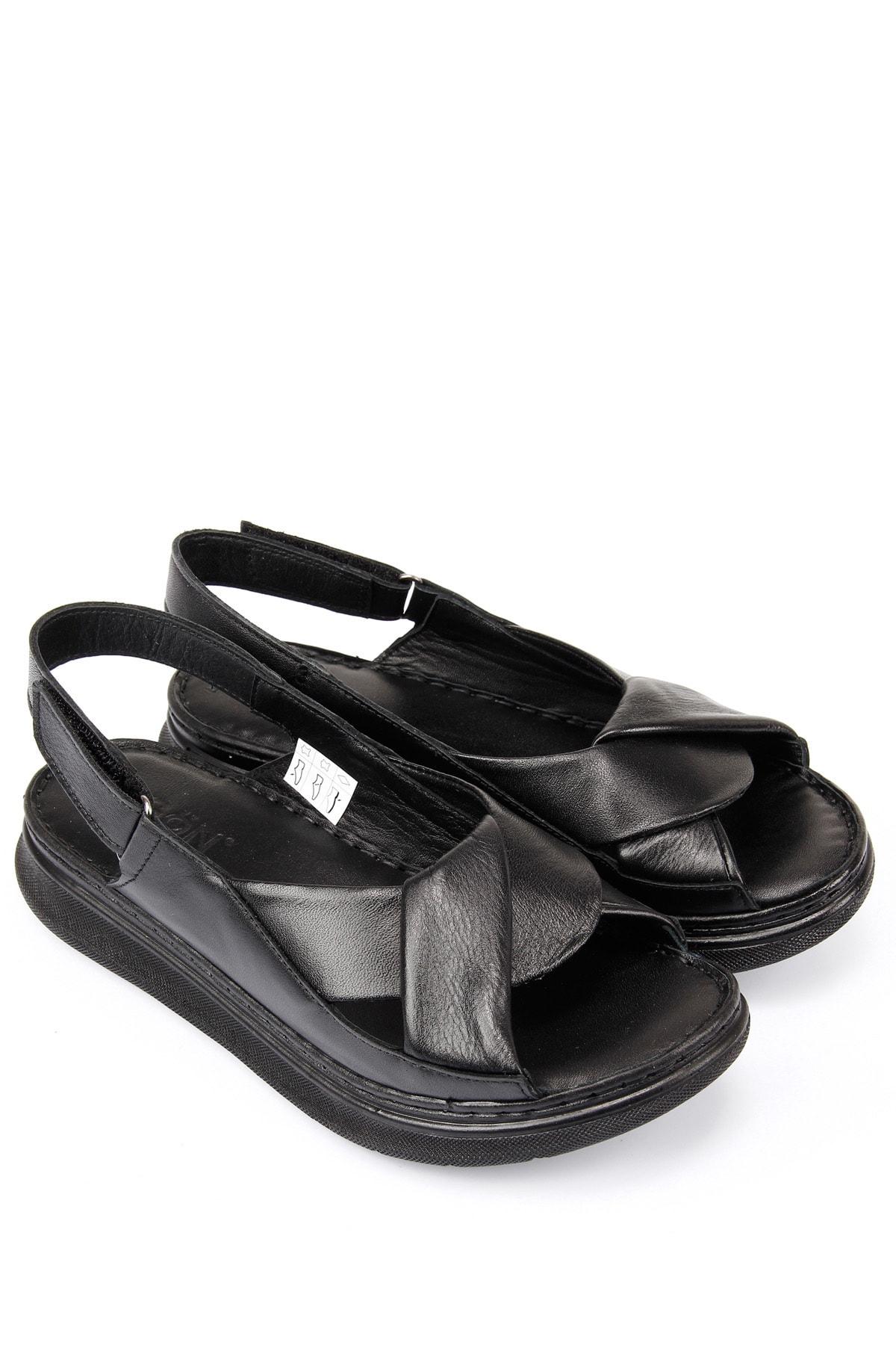 GÖNDERİ(R) Kadın Siyah Hakiki Deri Sandalet 45411 1