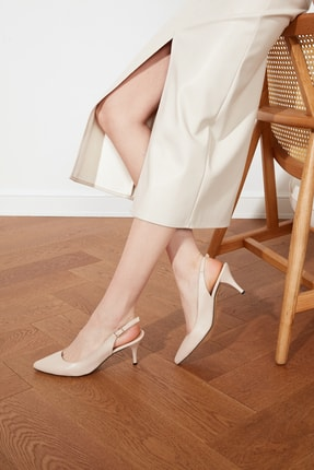 TRENDYOLMİLLA Ten Kadın Klasik Topuklu Ayakkabı TAKSS21TO0074