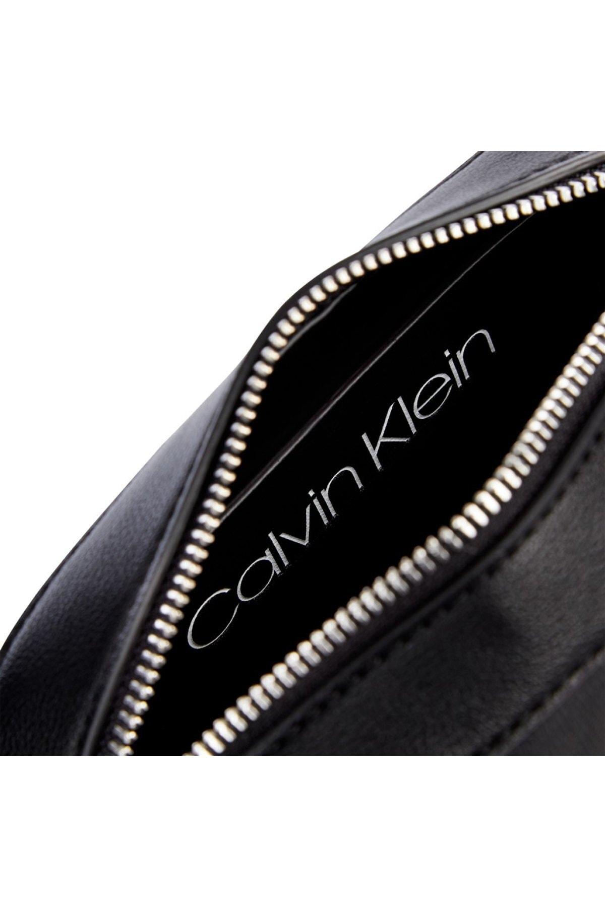 Calvin Klein Kadın Siyah Re-lock Camera Bag Omuz Çantası 2