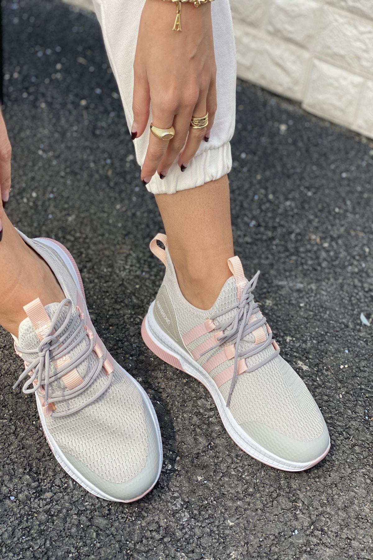 İnan Ayakkabı Kadın Spor Ayakkabı 1