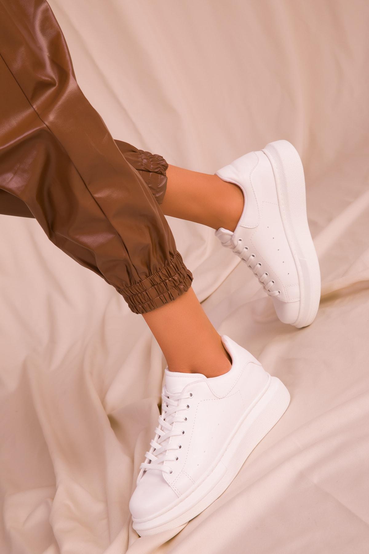 SOHO Beyaz Kadın Sneaker 15732 1