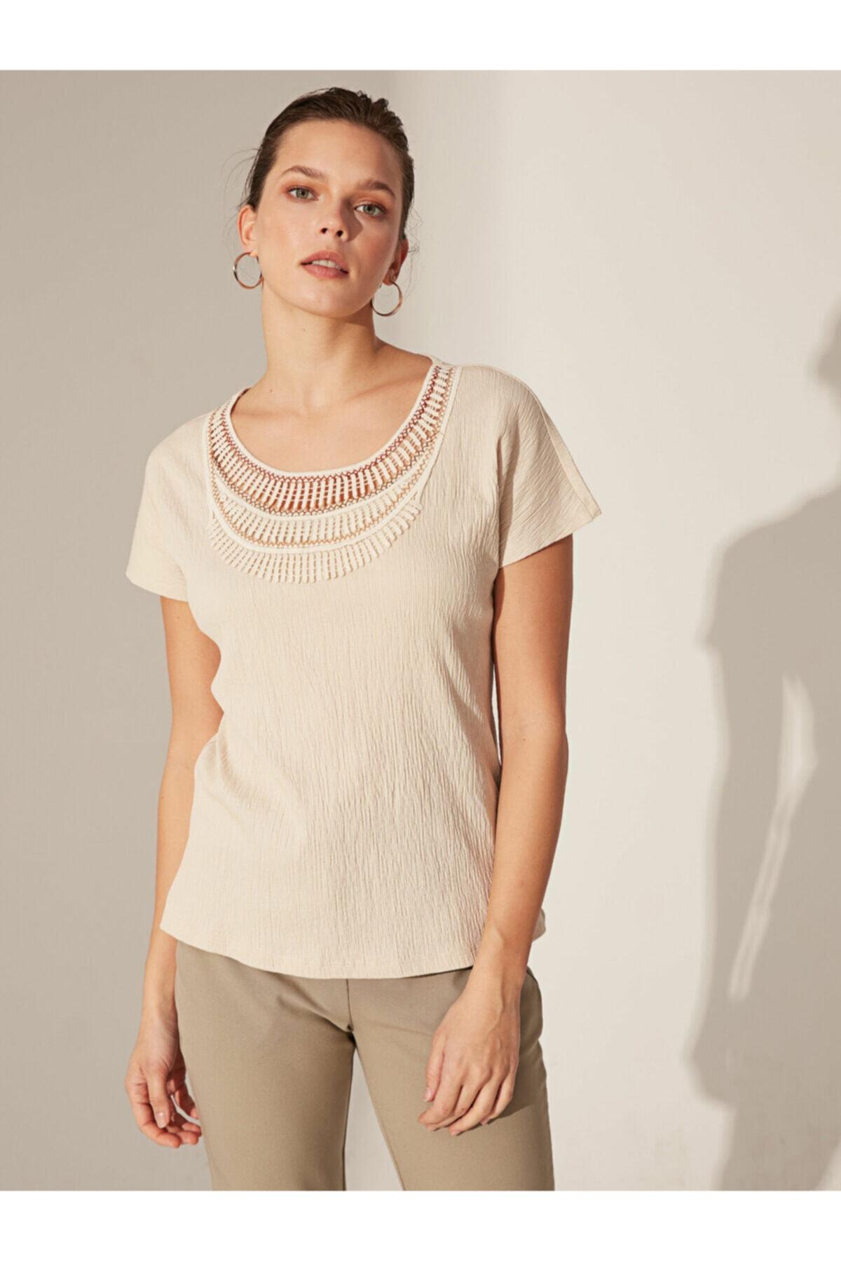 LC Waikiki Kadın Bej T-shirt 0SN058Z8 2