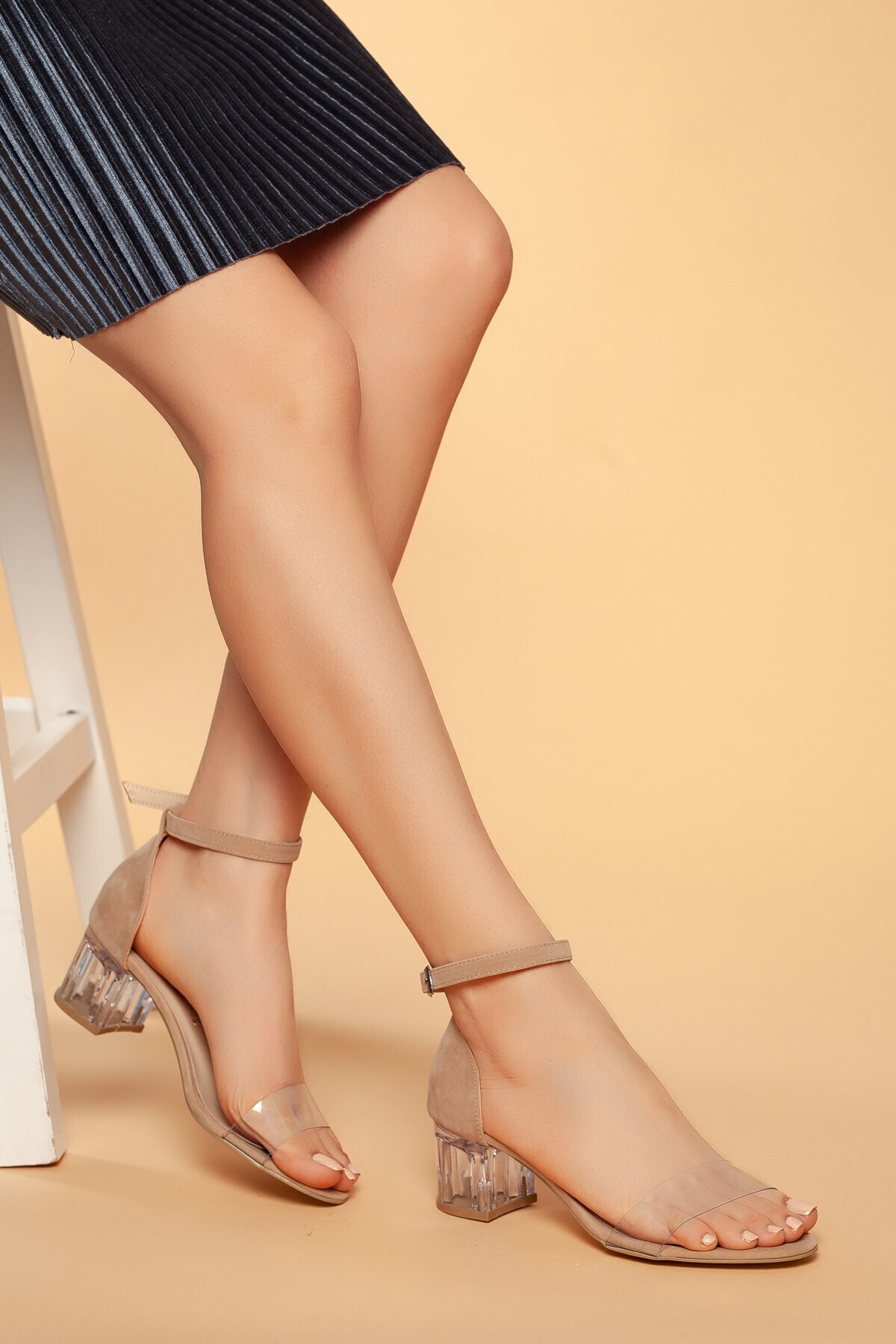 Daxtors Günlük Kadın Şefaf Topuklu Ayakkabı D045 1
