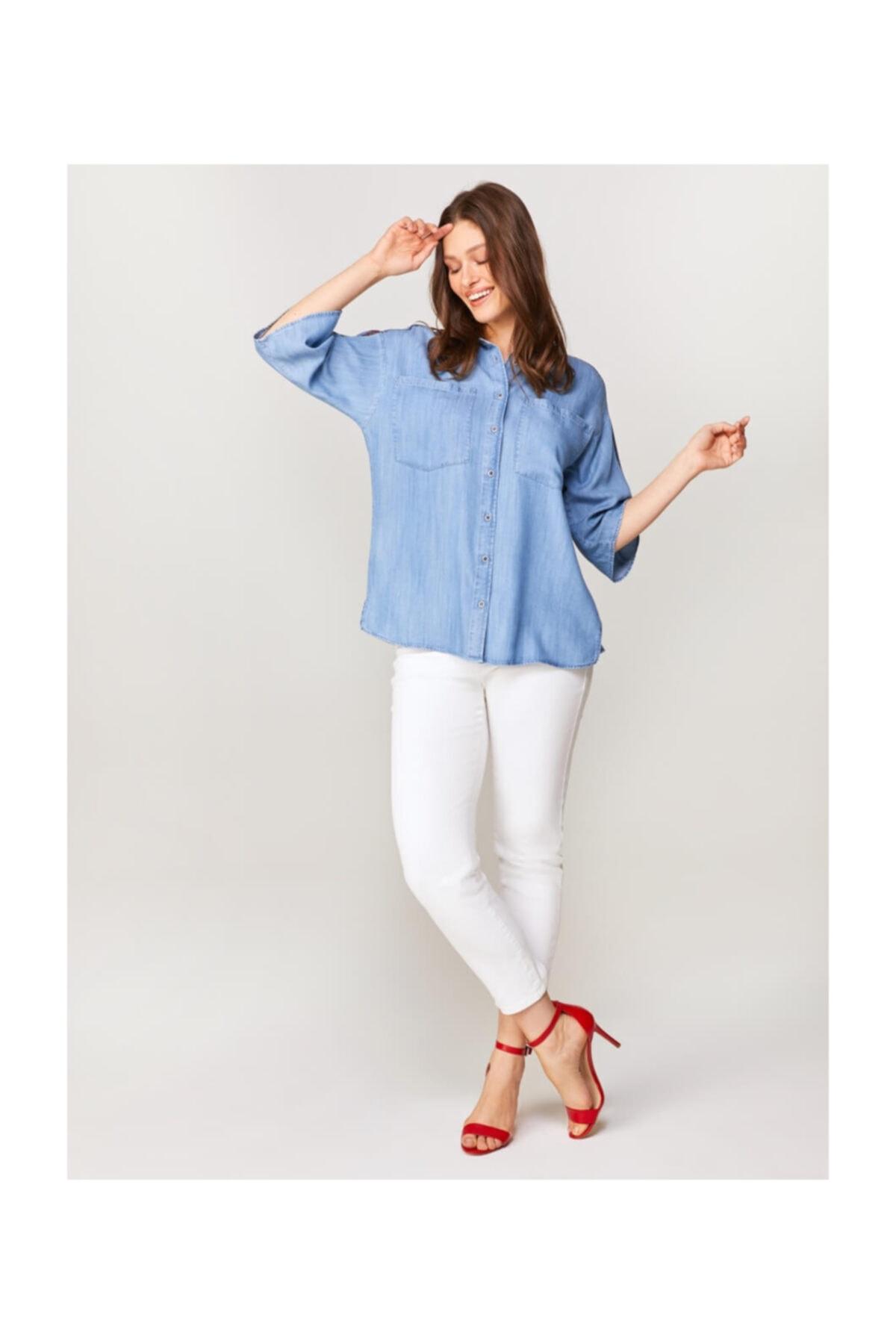 Faik Sönmez Kadın Mavi Omuzları Nakışlı Jean Gömlek 60467 1