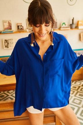 Olalook Kadın Saks Mavi Cepli Salaş Gömlek 11 GML-19000420