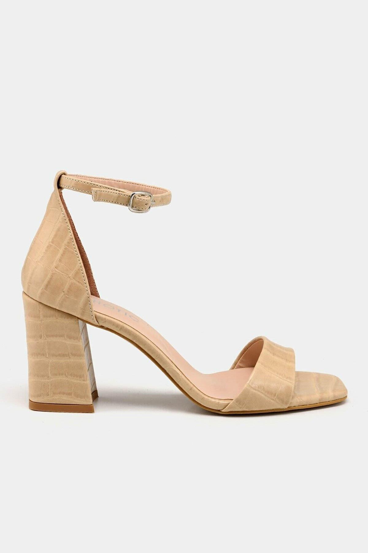 Hotiç Bej Kadın Topuklu Sandalet 1