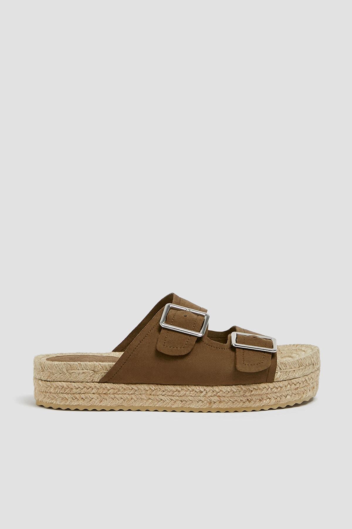 Pull & Bear Kadın Haki Tokalı Jüt Tabanlı Sandalet 11662540 1