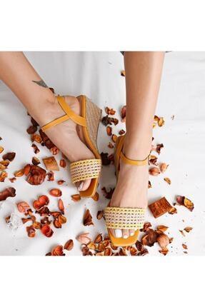 Limoya Hardal Örgü Bantlı Hasır Dolgu Topuklu Sandalet
