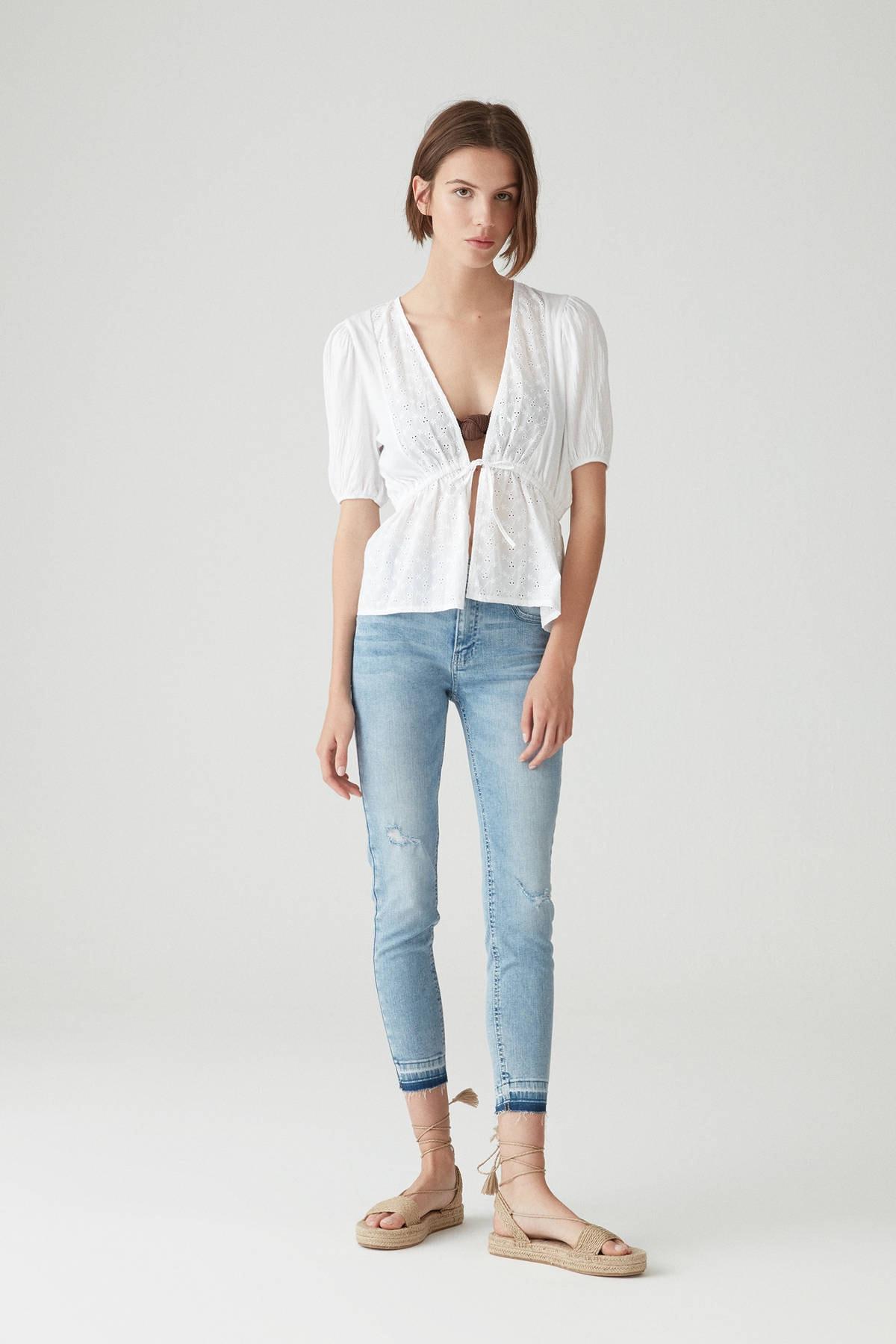 Pull & Bear Kadın Açık Mavi Orta Bel Kapri Skinny Fit Jean 05684300