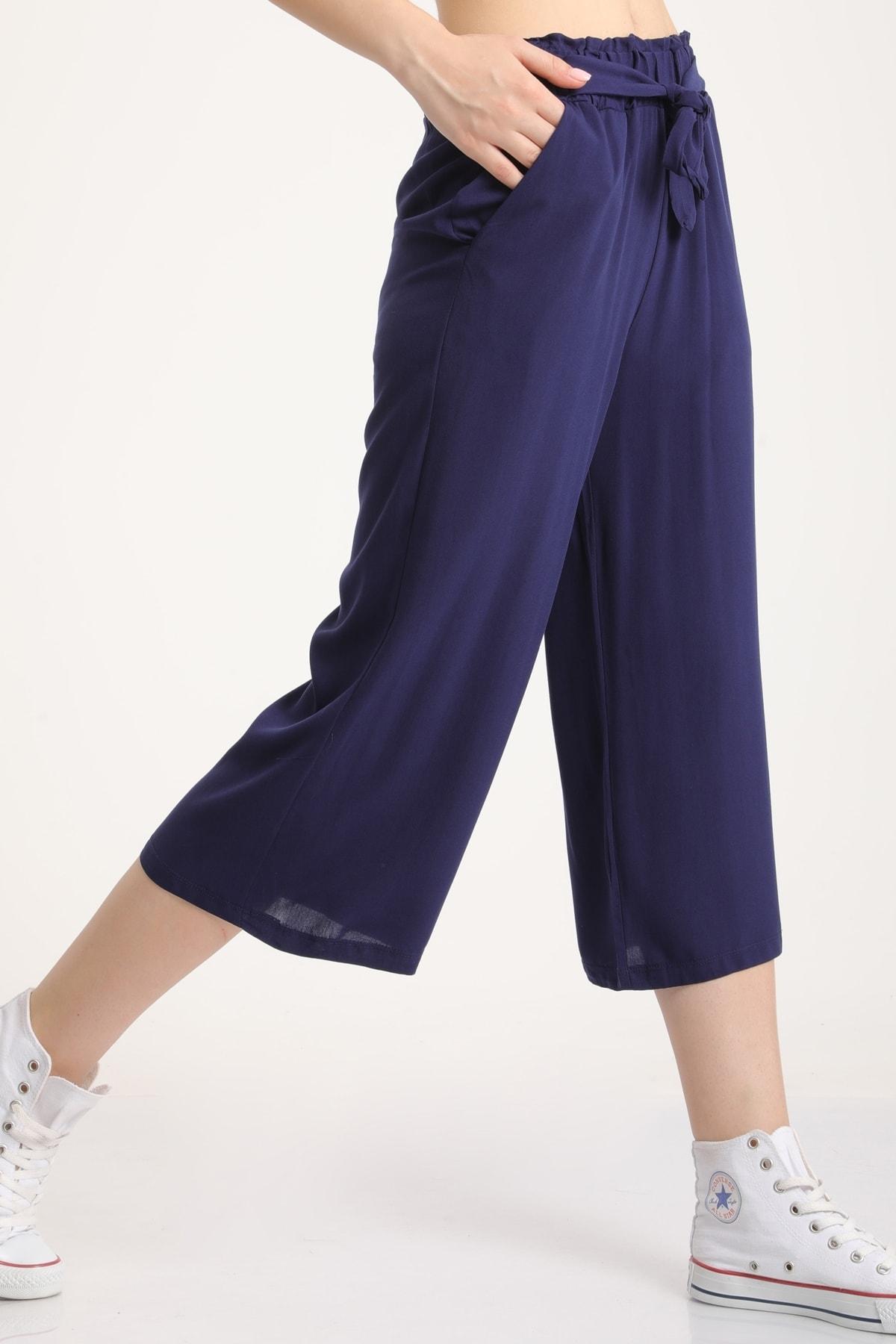 MD trend Kadın Lacivert Bel Lastikli Bağlamalı Kısa Pantolon Mdt5979 1
