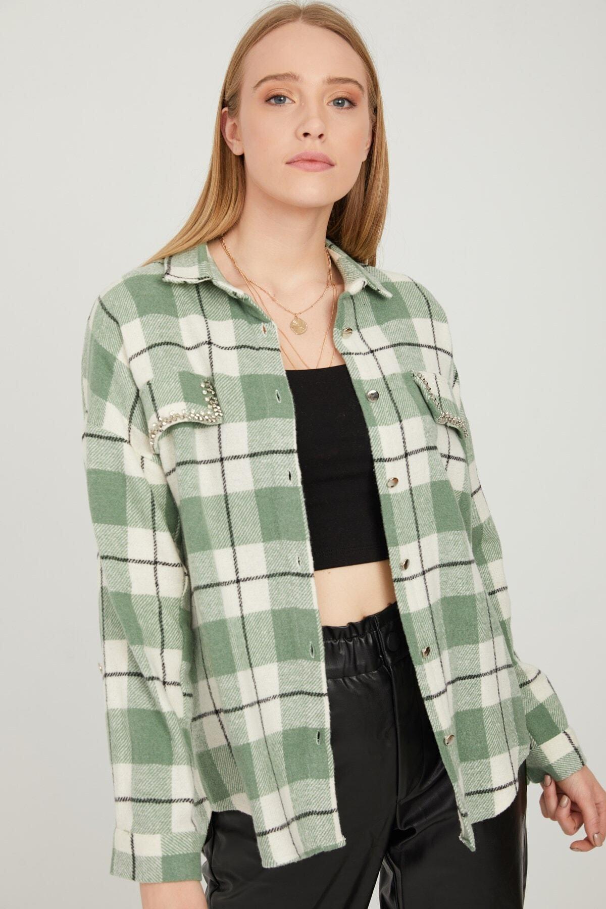 By Saygı Kadın Mint Cepleri Taş Işlemeli Ekose Kaşe Gömlek 1