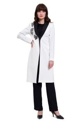 Mizalle Nakış Detaylı Tasarım Ceket (Beyaz)