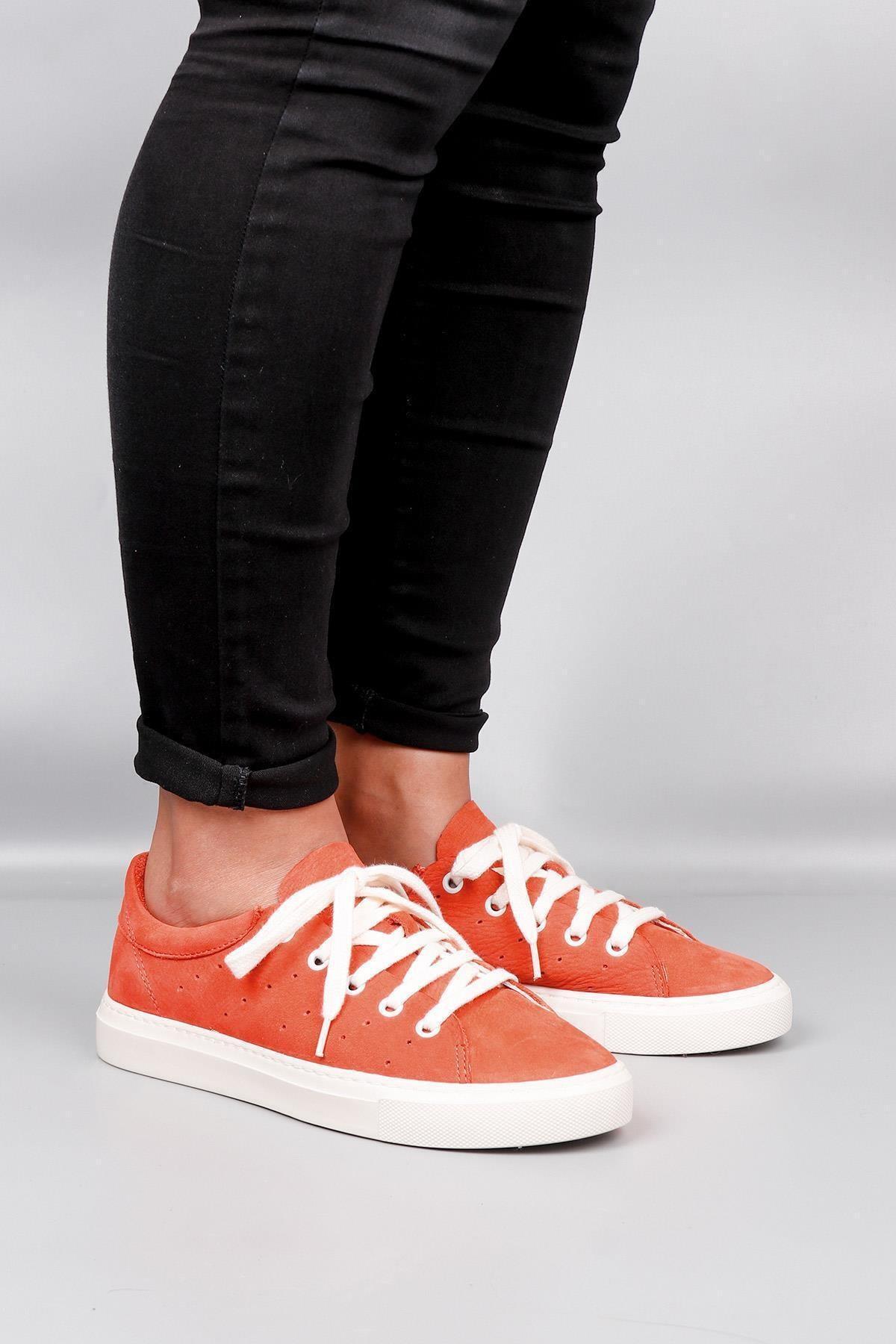 BUENO Shoes Hakiki Deri Yanları Nokta Detaylı Bağcıklı Kadın Spor Ayakkabı 20wq4700 1