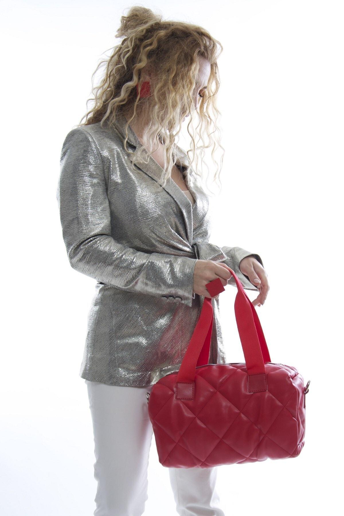Fume London Kadın Kırmızı Kapitone Fermuarlı Askılı Puf Çanta Fb3023 2