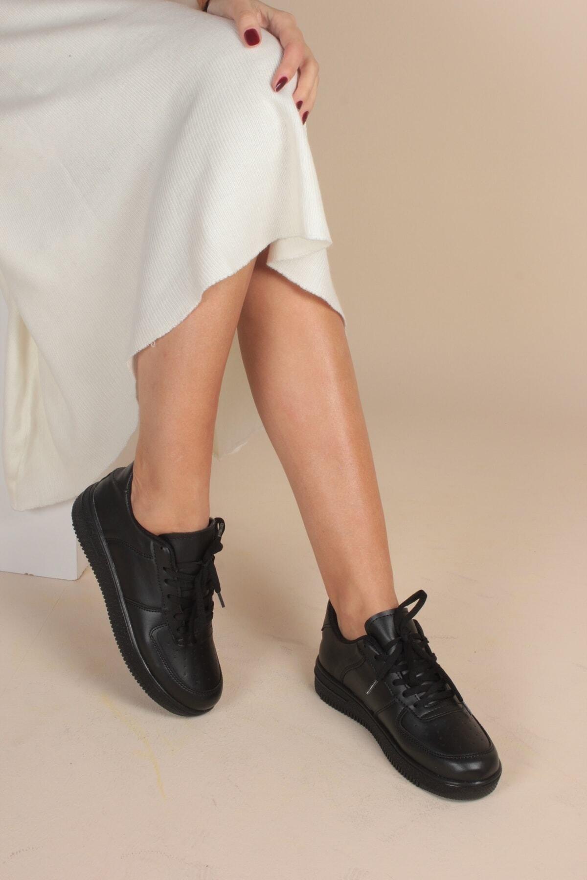 İnan Ayakkabı Kadın Siyah Cilt Sneaker 1
