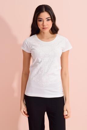 TENA MODA Kadın Ekru Gül Çiçek Kabartma Desenli Tişört