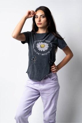 CNS Papatya Baskılı T-shirt