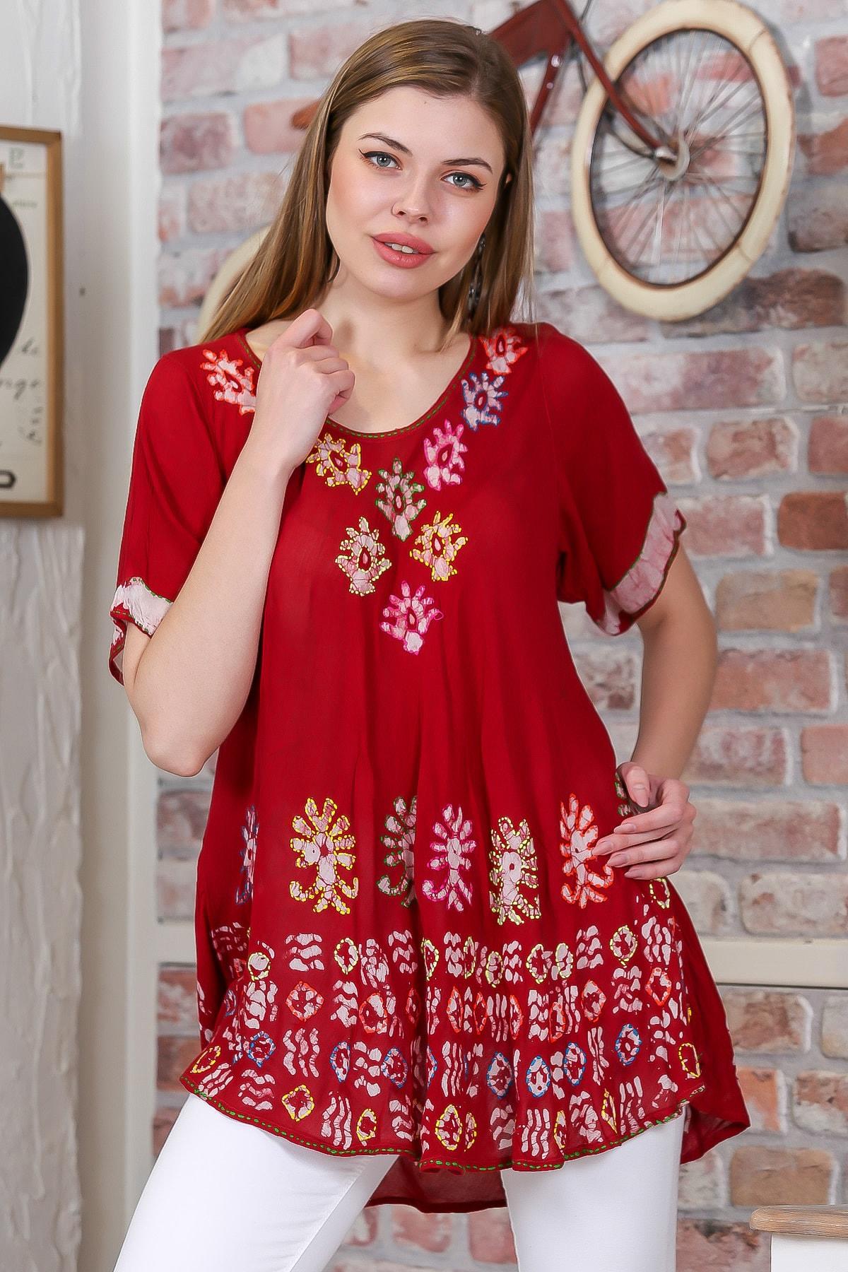 Chiccy Kadın Kırmızı Çiçek Baskılı Nakış Dikişli Kısa Kol Batik Salaş Dokuma Bluz M10010200BL95495