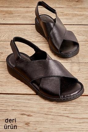 Bambi Hakiki Deri Siyah Kadın Sandalet L0529001903