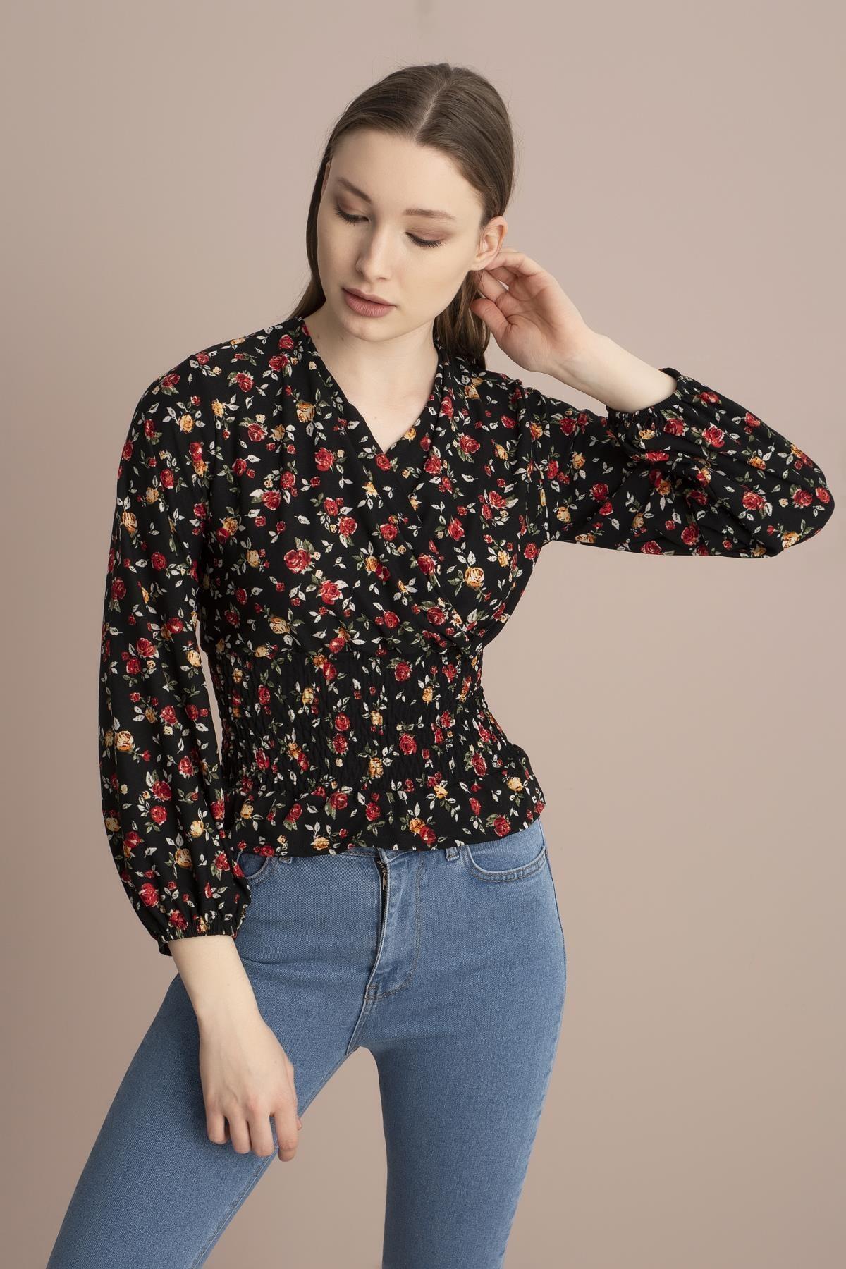 TENA MODA Kadın Siyah Kırmızı Çiçekli Örme Crep Gipeli Bluz 1