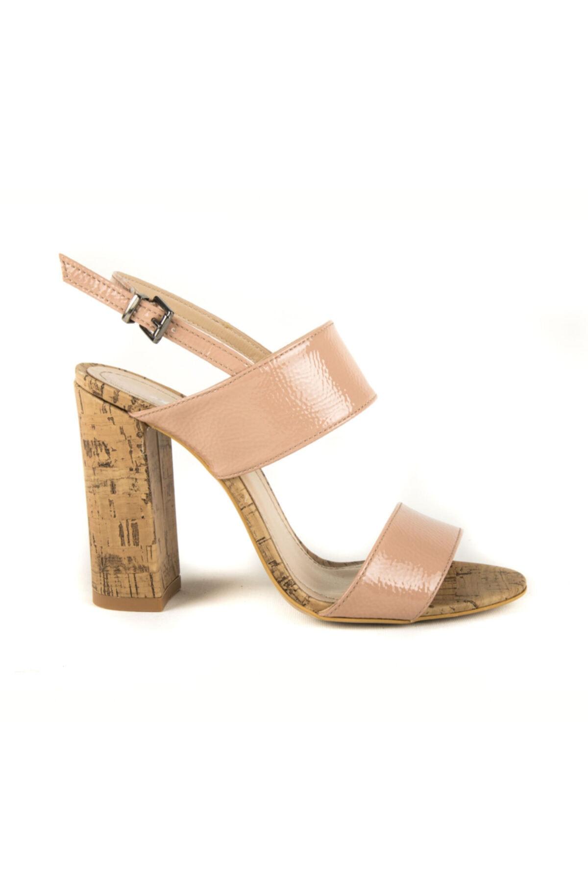 DİVUM Pudra Kırık Rugan Topuklu Ayakkabı 1