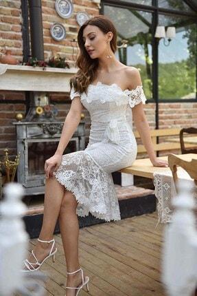 Modakapimda Beyaz Eteği Volanlı Güpür Elbise