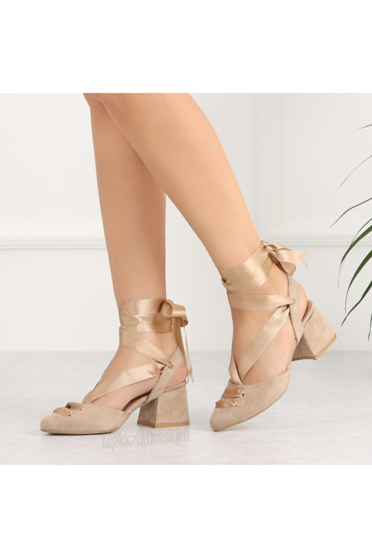 Ayakkabı Delisiyim Lopera Bej Süet Bağlamalı Kısa Topuklu Kadın Ayakkabı 2