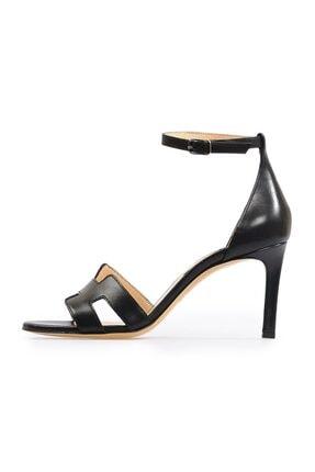 Flower Siyah Deri Bant Detaylı Topuklu Sandalet